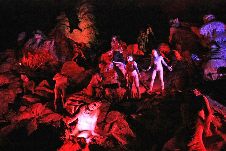 Castellana Grotte teatro per un giorno: hell in the caves